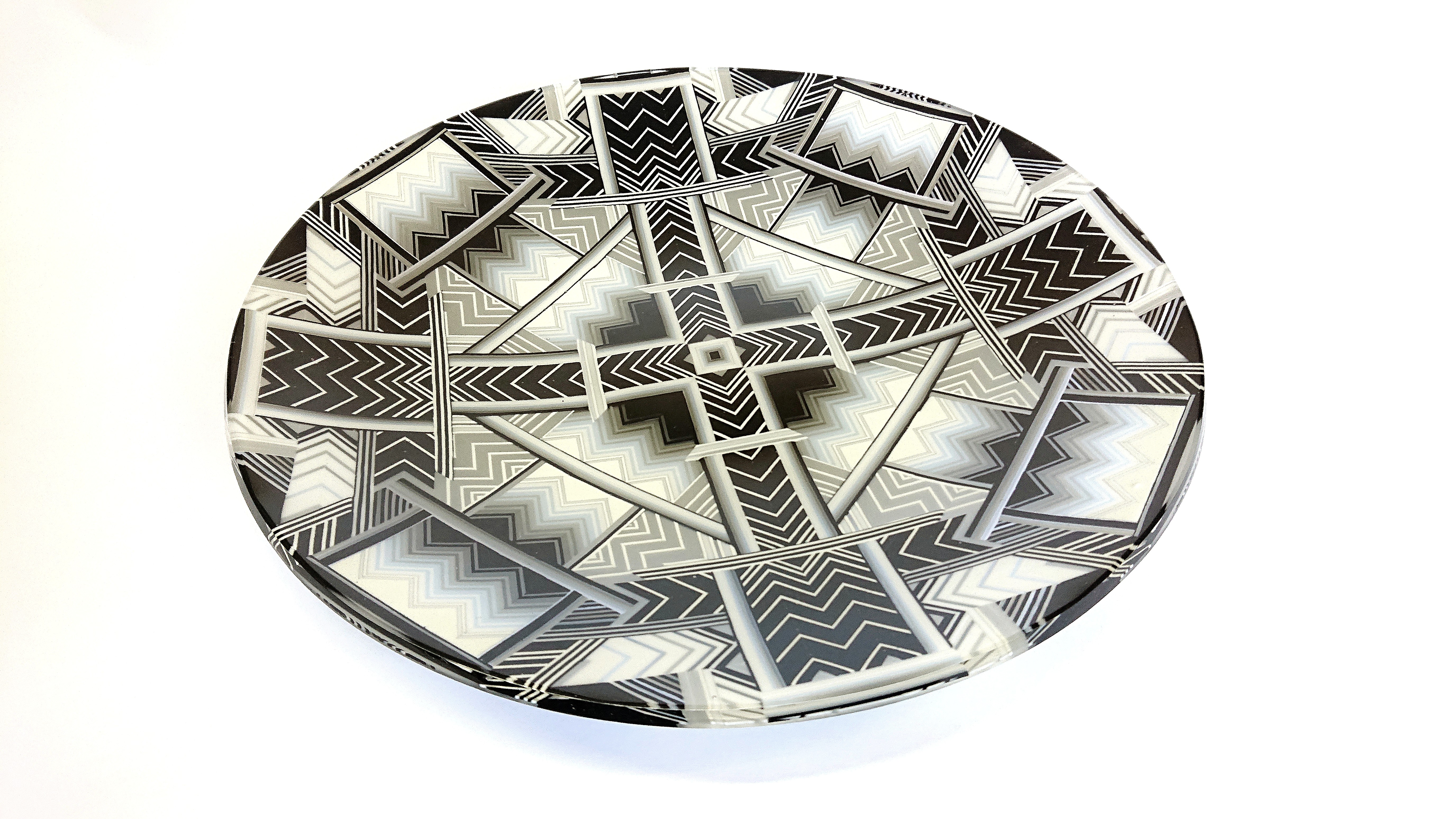 Black and white 45 cm mandala charger
