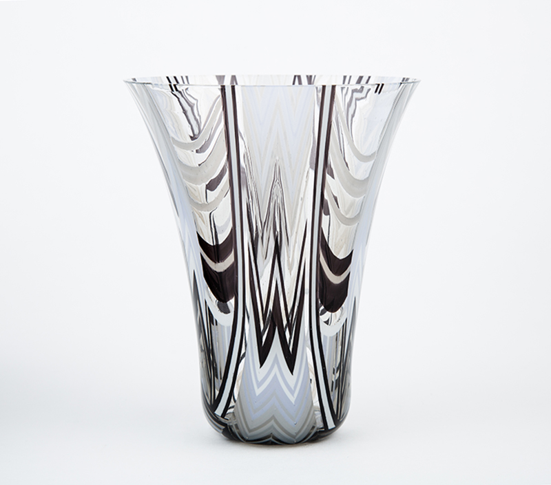 Black and White drop out vase
